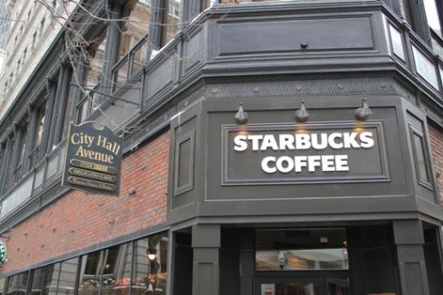 Loja da Starbucks com a máquina Clover